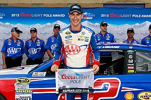 Logano edges Kahne for Sprint Cup pole at Kansas