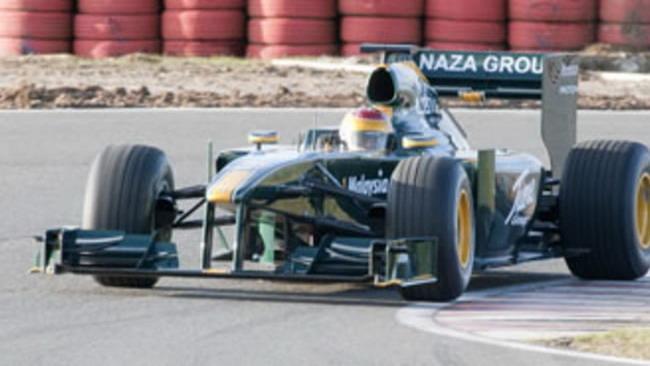 F1: Fauzy sulla Lotus nelle prime libere di Sepang