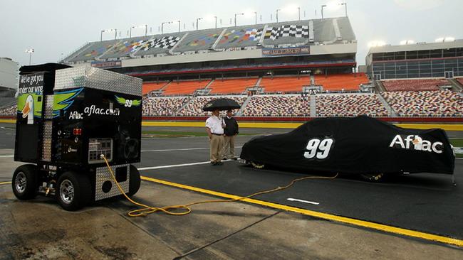 La pioggia blocca le qualifiche dell'All-Star Race