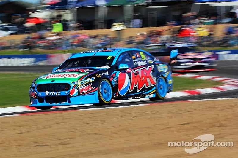 Mostert storms to third Winton pole