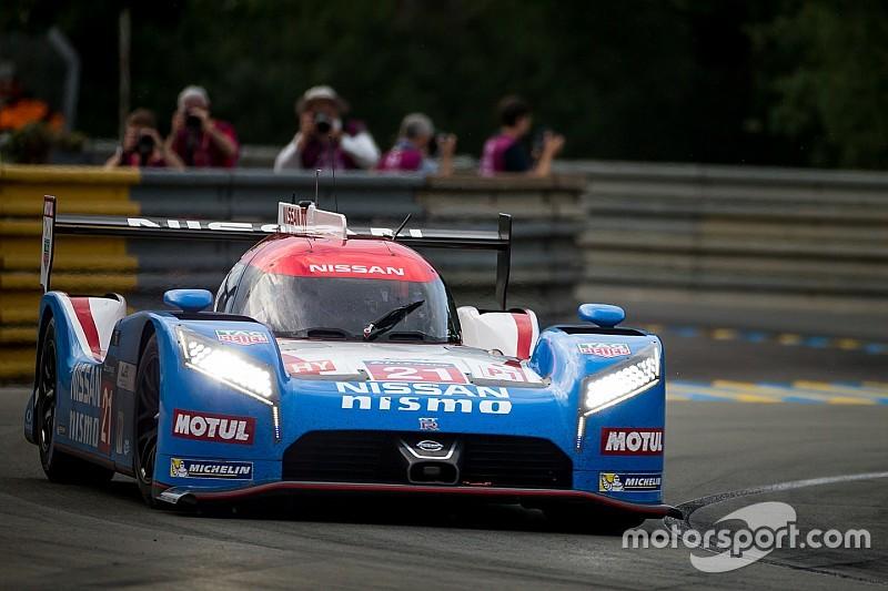 Nissan lleva un coche a la meta