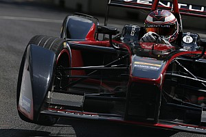 London ePrix: Sarrazin claims pole for title decider