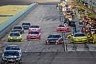 Depois de controvérsia, NASCAR decide que o rádio vai prevalecer na abertura dos pits