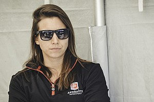 De Silvestro confirmed by Andretti for season two