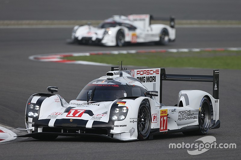 Porsche leads after three hours at Nurburgring
