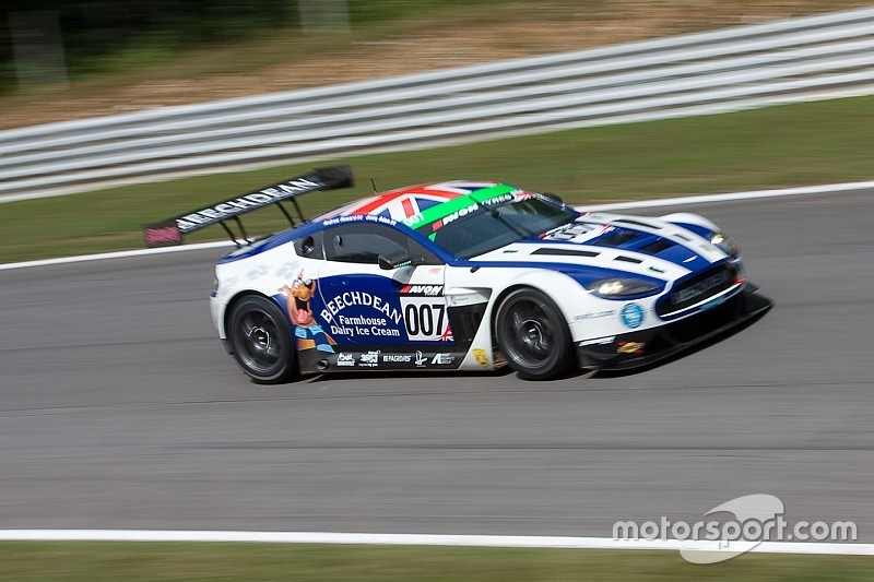 Outsiders Howard and Adam win 2015 British GT title for Aston Martin