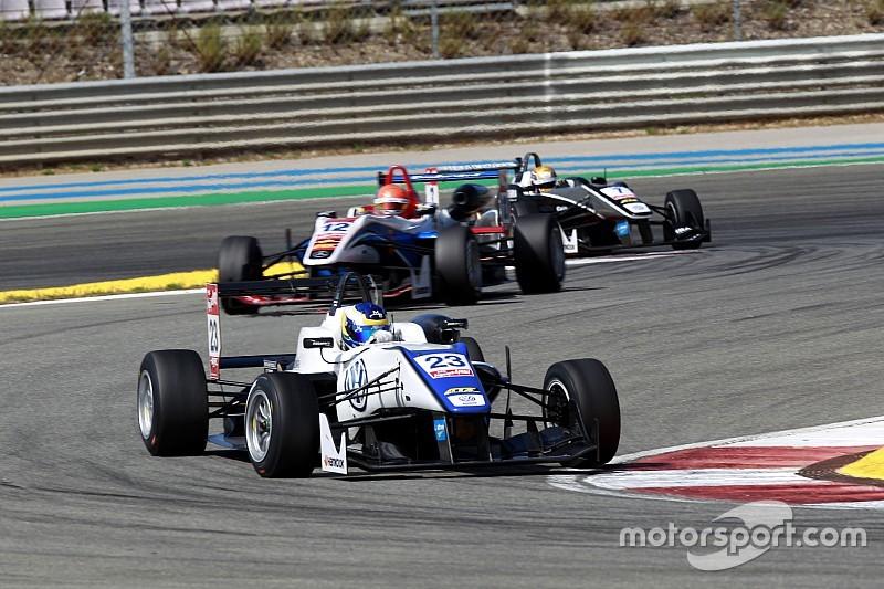 سيتي كامارا أول المنطلقين في سباق أساتذة الفورمولا 3 التأهيلي