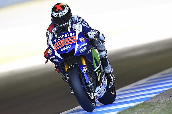 Motegi MotoGP: Lorenzo beats Rossi in epic pole duel