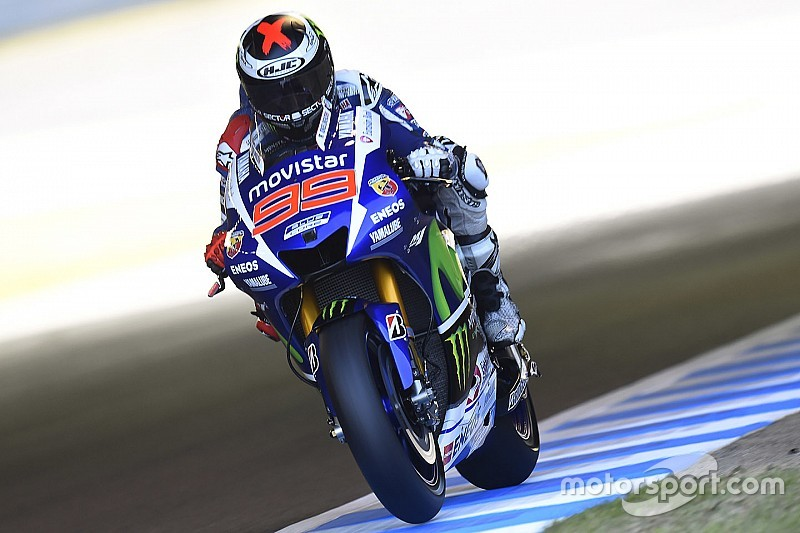 Motegi MotoGP: Lorenzo beats Rossi in epic pole duel