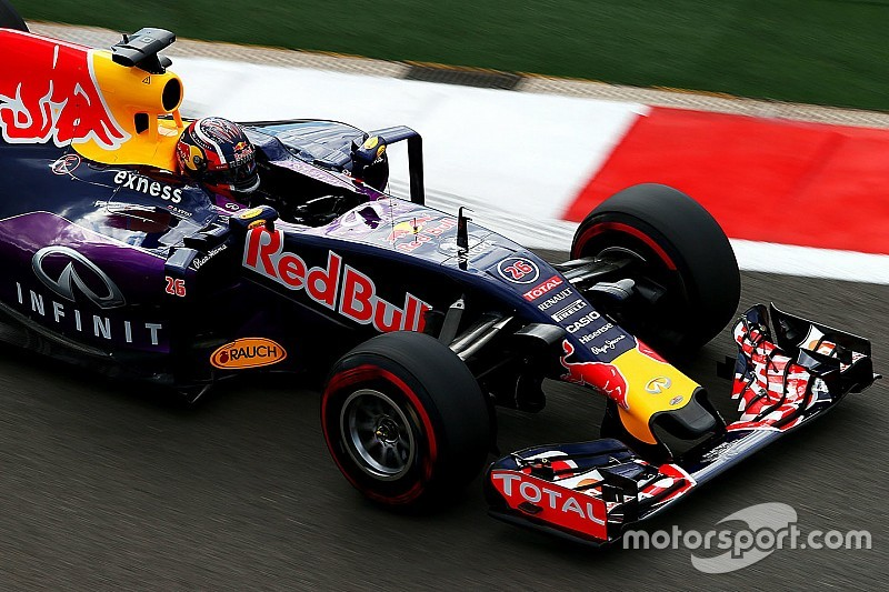 Ecclestone todavía busca un tipo de motor alternativo para Red Bull