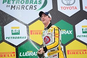 Brasileiro de Marcas Relato da corrida Casagrande se aproveita de azares de rivais e vence em Curitiba