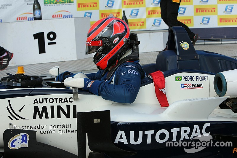 Mesmo com esforço de Baptista, Piquet vence 11ª seguida