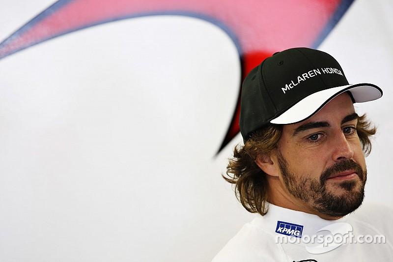 Alonso acredita que McLaren pode tirar 2,5 segundos em 2016