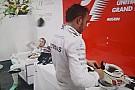 Video muestra a Rosberg desquitando su decepción con Hamilton