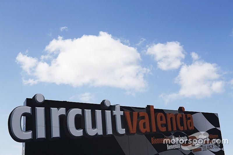 1.500 policías vigilarán a fans de Rossi y Lorenzo en Valencia