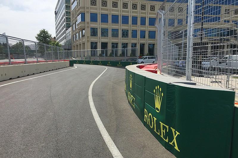 Бордюри і заїзд на пітлейн у Баку буде змінено