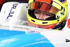 Formula V8 3.5 Reporte de calificación Vaxiviere consigue la pole en casa
