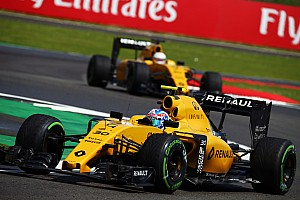Формула 1 Новость Renault определится с составом пилотов в сентябре