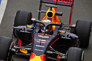 Формула 1 Новость Halo будет мешать гонщикам при стартах, считает Гасли