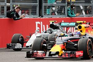 A Red Bull hatalmasat lépett előre és a versenyeken nyomást tudnak gyakorolni a Mercedesre