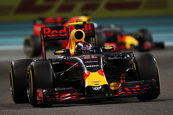 Formule 1 Nieuws Verstappen genomineerd voor 'Sportman van het Jaar'