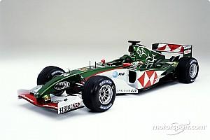 Ma 13 éve mutatkozott be az utolsó F1-es Jaguar versenygép