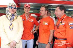 Michael Schumacher, Rubens Barrichello, Jean Todt with a Ferrari guest