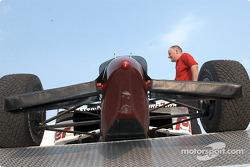 Under the nose of Zanardi's car
