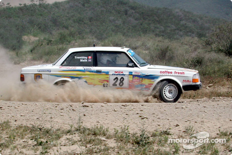 Bill Malik and Eric Tremblay in a Volvo 240