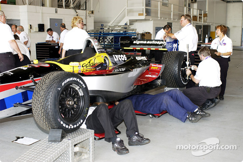 technical inspection for Sigma Autosport