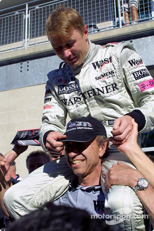 Mika Hakkinen and Jo Ramirez