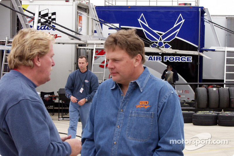 Jimmy Spencer talks with Robert Yates