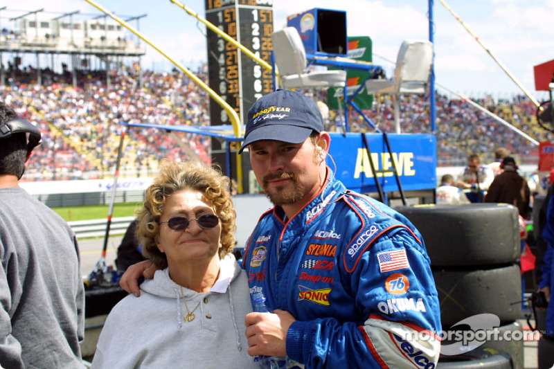 Bring mom to the race
