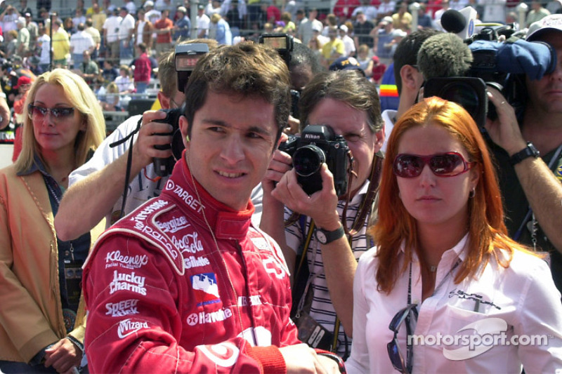 Bruno Junqueira gets ready for the race