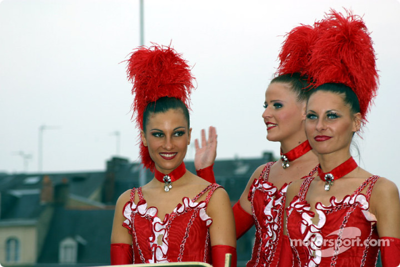 The Moulin Rouge girls