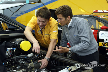 Team Opel getting ready for the weekend: Timo Scheider