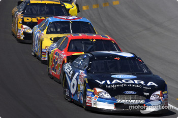 Mark Martin leading a group of cars