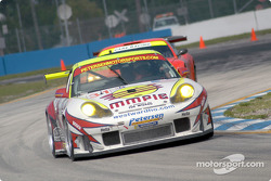 #31 Petersen Motorsports Porsche 911 GT3 RS: Johnny Mowlem, Nic Jonsson, Craig Stanton