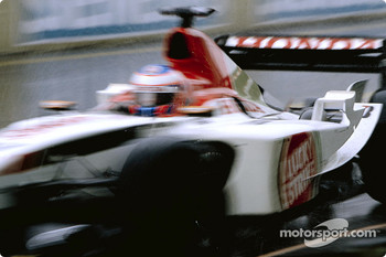 Jenson Button goes to the starting grid