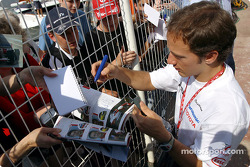 Autograph session for Cristiano da Matta