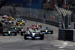 The start: Ralf Schumacher takes the lead