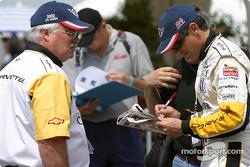 Franck Freon signs autographs
