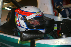 Pitstop for #14 Team Nasamax Reynard 01Q Cosworth: Robbie Stirling