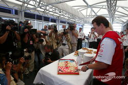 Olivier Panis celebrates 10 years in Grand Prix racing