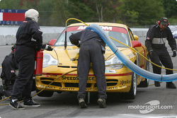 Pitstop for #41 Planet Earth Motorsports Porsche 911: Joe Nonnamaker, Wayne Nonnamaker, Will Nonnamaker