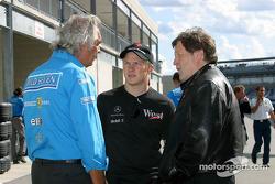 Flavio Briatore, Kimi Raikkonen and Norbert Haug