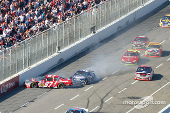 Kurt Busch and Rusty Wallace collide