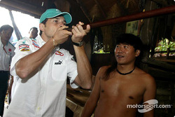 Sauber Petronas visit Sarawak Cultural Village: Giancarlo Fisichella