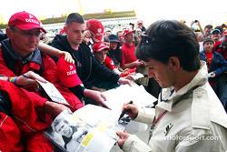 Giorgio Pantano signs autographs