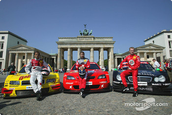 DTM vs football event in Berlin: Emanuele Pirro, Heinz-Harald Frentzen and Stefan Mücke